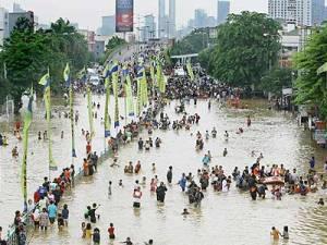 banjir-kampung-melayu